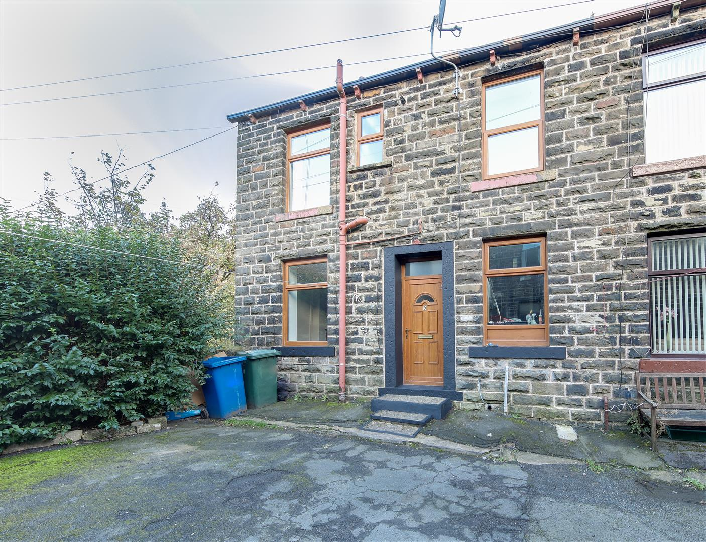 2 Bedrooms House for sale in Atherton Street, Stacksteads, Bacup